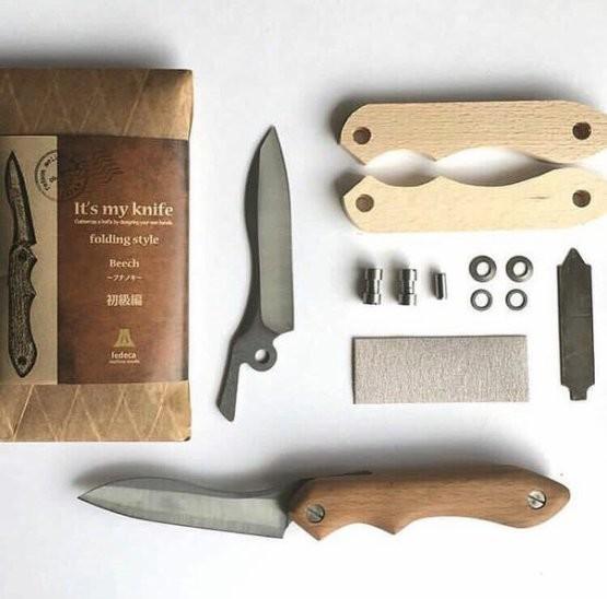 Набор для самостоятельной сборки складного ножа со сформированными накладками